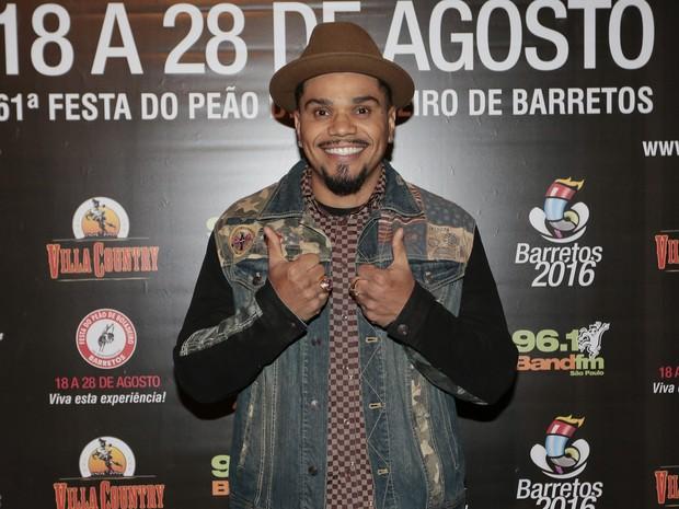 Naldo em show em São Paulo (Foto: Rafael Cusato/ Brazil News)