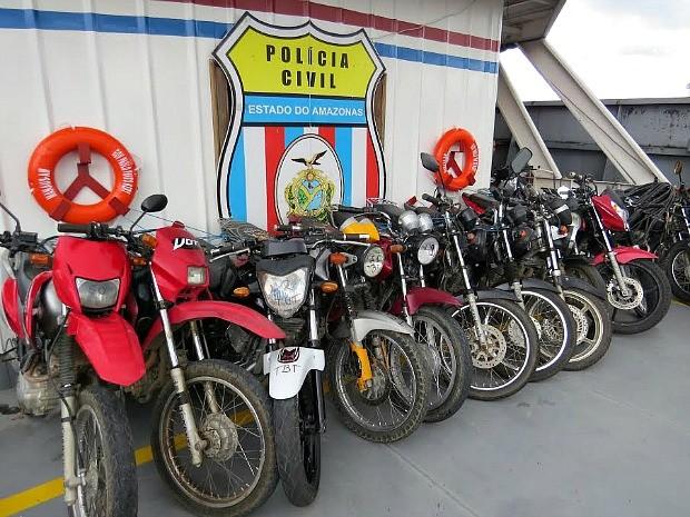 58 motocicletas recuperadas estão em delegacia especializada, em Manaus (Foto: Divulgação/Polícia Civil)