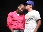 Thiaguinho e Thiago Martins dividem palco e fazem graça em show no Rio