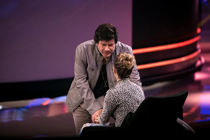 ...e Paulo Ricardo também se levantou da cadeira para falar com Sandy (Foto: Isabella Pinheiro/Gshow)