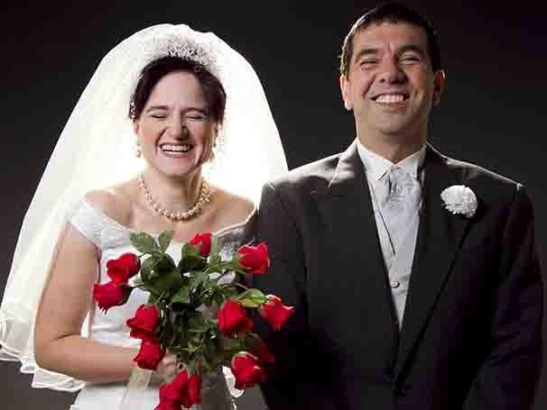 Claudia Ventura e Alexandre Dantas vivem o casal prestes a se casar (Foto: Silvana Marques)