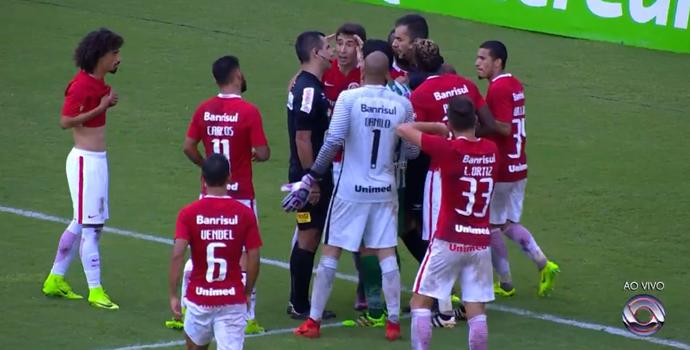 Diego Real marca pênalti para o Juventude contra o Inter (Foto: Reprodução / RBS TV)