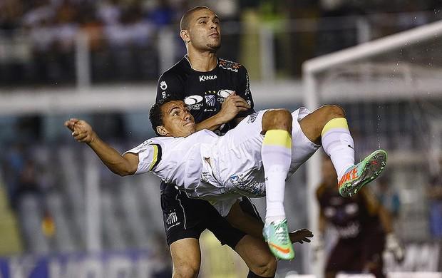 Leandro Damião Santos Bragantino (Foto: Ricardo Saibun / Divulgação SantosFC)