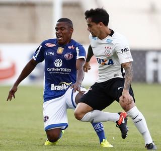 Fagner Alan Mineiro Ferroviária x Corinthians (Foto: Thiago Calil/Estadão Conteúdo)