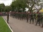 Corpo de sargento do Exército morto na Vila Cruzeiro é enterrado no Rio
