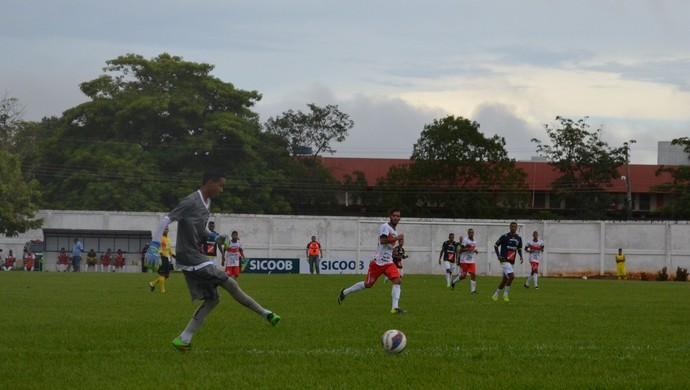 William foi um dos destaques do Rondoniense na estreia do Estadual  (Foto: Lívia Costa)