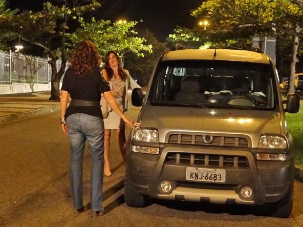 Totia e Claudia gravaram em rua deserta (Foto: Salve Jorge/ TV Globo) (Foto: Salve Jorge/TV Globo)