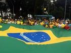 Atos contra corrupção e governo reúnem milhares no Vale e região