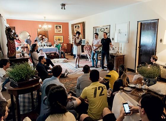 GRAND TOUR Doria em um encontro com jovens tucanos. Poucos sabiam que ele já havia atuado na política  (Foto: Filipe Redondo/ÉPOCA)