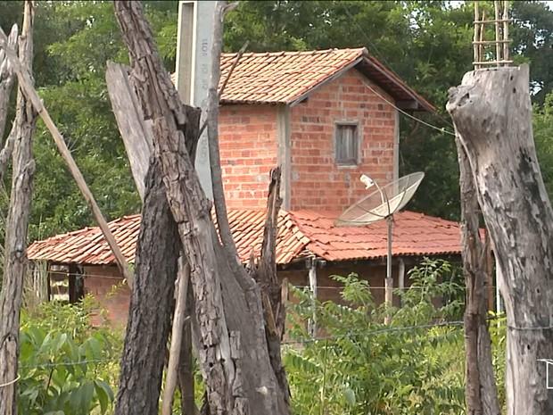 Idoso foi assassinado dentro de casa em São Raimundo das Mangabeiras, MA (Foto: Reprodução/TV Mirante)