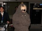 Pamela Anderson usa look todo coberto após posar para a 'Playboy'
