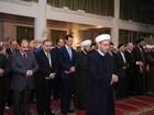 Bashar al-Assad aparece em público na Síria para celebração religiosa