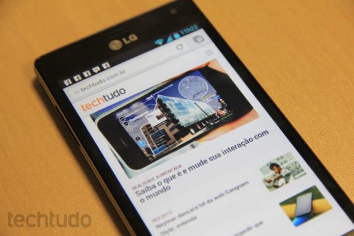 O LG Optimus 4X HD é o primeiro quad-core da empresa lançado no Brasil (Foto: Rodrigo Bastos/TechTudo)