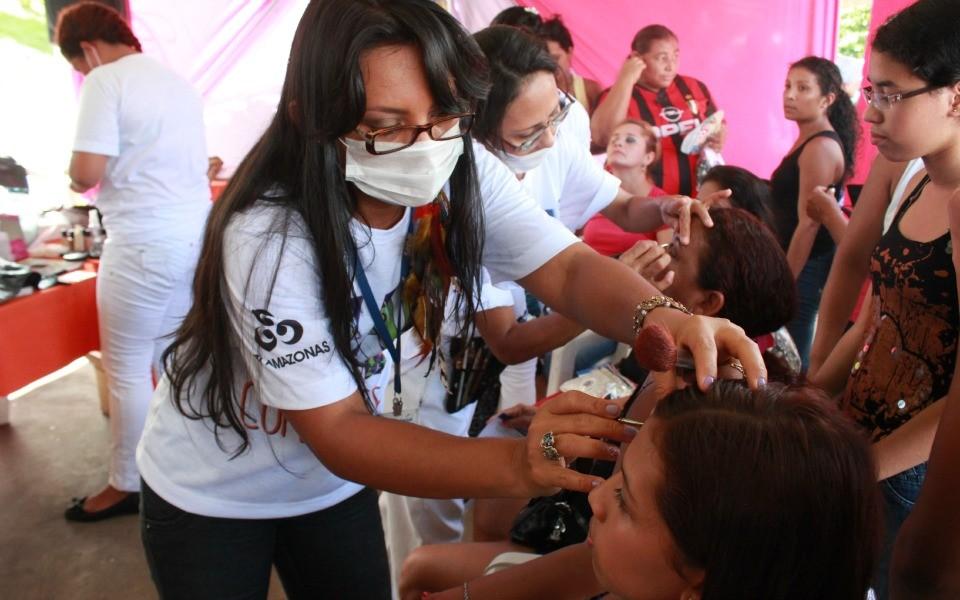 Dicas de maquiagem na onda da novela Sangue Bom (Foto: Katiúscia Monteiro/Rede Amazônica)