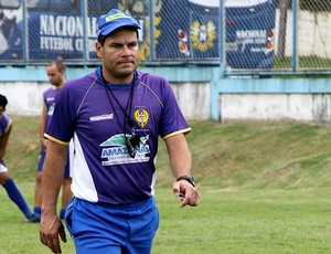 Léo Goiano, treinador do Nacional (Foto: Frank Cunha/GLOBOESPORTE.COM)