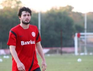 João Paulo retomou os treinamentos no Inter (Foto: Diego Guichard/GLOBOESPORTE.COM)
