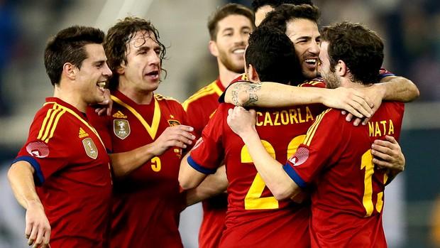 amistoso Fabregas comemora gol da Espanha contra o Uruguai (Foto: AFP)