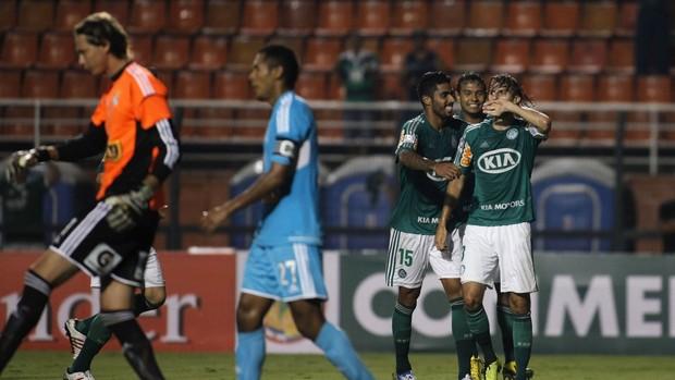 Henrique gol Palmeiras x Sporting Cristal (Foto: Reuters)