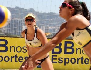 Andressa e Paula Hoffmann em etapa do Brasileiro sub-23, no Rio (Foto: Alexandre Arruda/Divulgação CBV)