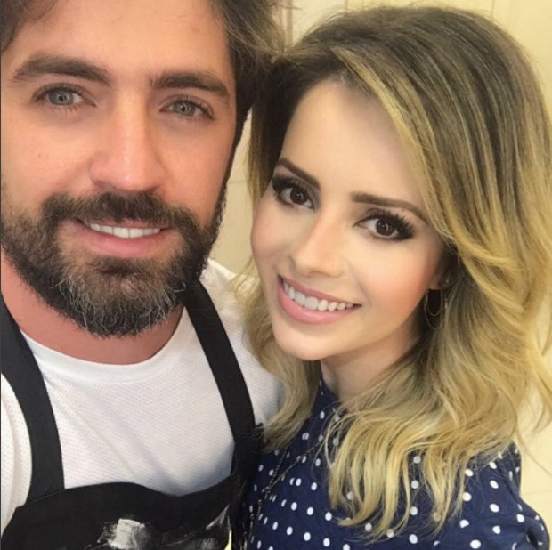 Sandy e o hair stylist Jackson Nunes (Foto: Reprodução/Instagram)