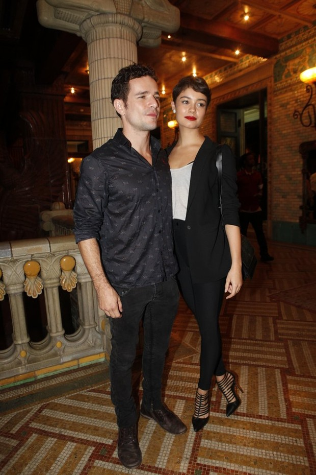 Daniel de Oliveira e Sophie Charlotte (Foto: Isac Luz / Ego)