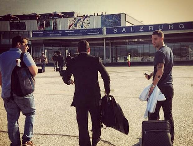 Thiago Neves chegando na Áustria (Foto: Reprodução/Instagram)