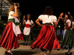 Tarantella corre no sangue dos descendentes de italianos (Foto: Reprodução/TV Rio Sul)