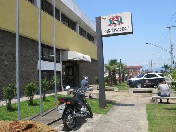 Caso foi encaminhado à Delegacia Sede de Praia Grande (Foto: Carolina Ramires/ G1)