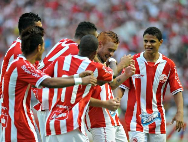 Náutico x Atlético-MG (Foto: Aldo Carneiro/Pernambuco Press)