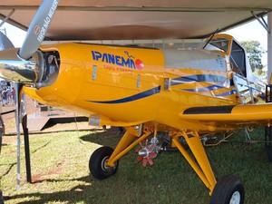 O avião Ipanema, modelo movido a etanol (Foto: Clayton Castelani/ G1)