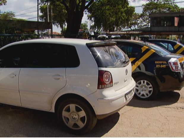Carro apreendido pelos agentes do Detran-DF havia sido furtado em abril do ano passado (Foto: Reprodução/TV Globo)