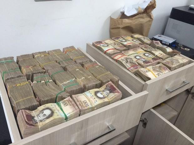 PF apreende 27 malas em MT com R$ 31 milhões em moeda venezuelana (Foto: Assessoria/Polícia Federal de MT)
