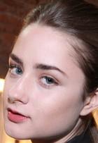 No Fashion Rio, modelos dão dicas de maquiagem. Confira vídeo!