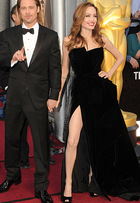 Angelina Jolie, Anne Hathaway... Relembre os looks do Oscar que viraram memes