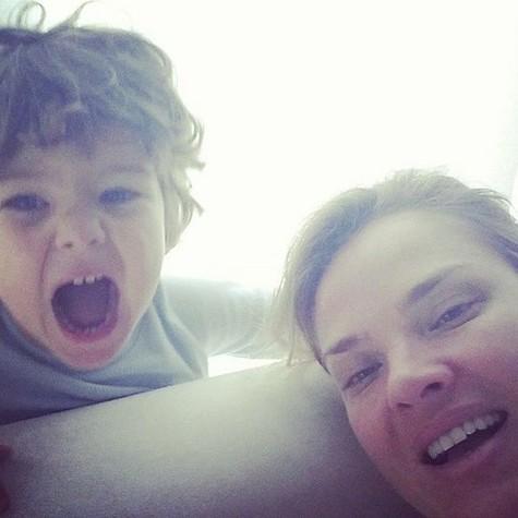 Letícia e o filho, João Guilherme (Foto: Reprodução)