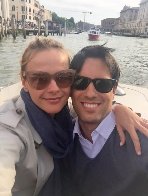 Juliana SIlveira e o marido, João Vergara, de férias na Itália (Foto: Arquivo pessoal)