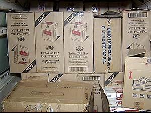 Mais de 14 mil maços de cigarros são apreendidos próximo a Patrocínio (Foto: Reprodução/TV Integração)