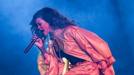 Anitta confessa que já tietou celebridades: 'Já pedi foto pra Rihanna e Katy Perry'