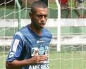 Peter espera voltar ao time e 'mostrar vontade de vestir a camisa do Goiás'