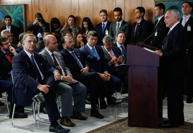 Cerimônia de Assinatura do Novo Decreto de Regularização Portuária do Brasil nesta quarta-feira (Foto: Marcos Corrêa/PR)