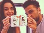 Daniel Alves posta foto fofa ao lado da namorada, Joana Sanz