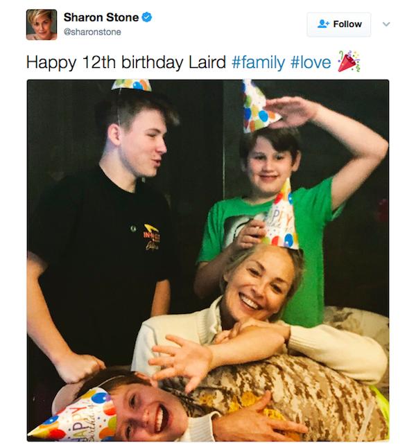A atriz Sharon Stone celebrando o aniversário de um de seus três filhos (Foto: Instagram)