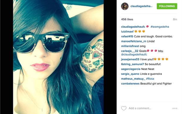 Cláudia Gadelha mostra nova tatuagem