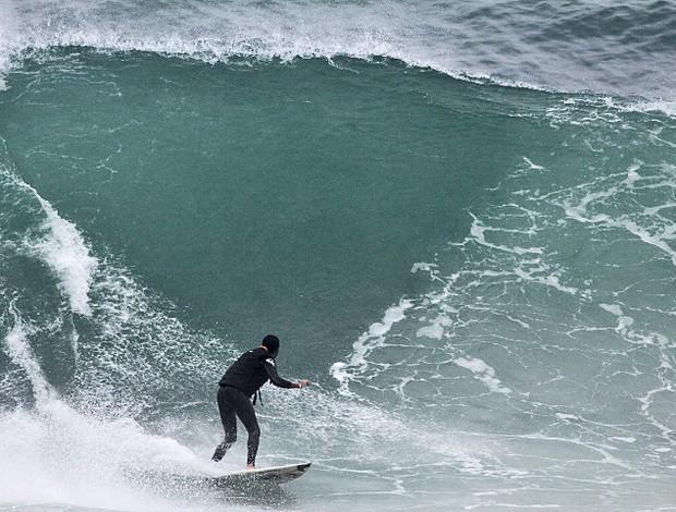 Derek Rabelo surfe (Foto: Divulgação)