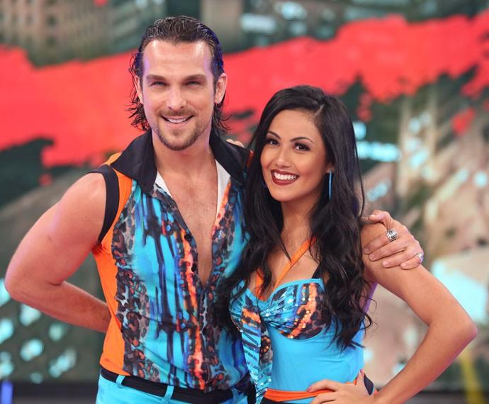 Igor Rickili e a bailarina Suellem Morimoto mostraram entrosamento na lambada (Foto: Carol Caminha/Gshow)