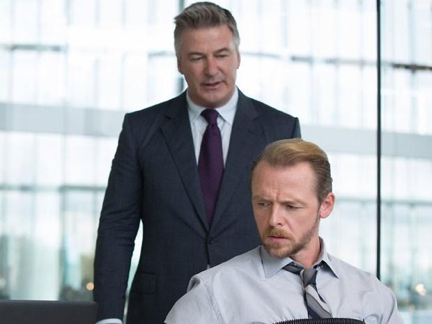 Alec Baldwin e Simon Pegg em cena de 'Missão: Impossível – Nação secreta' (Foto: Divulgação)
