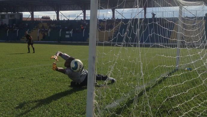 Gol Marcos Paulo - Jogo Tocantinópolis X Interporto (Foto: Vilma Nascimento/GloboEsporte.com)