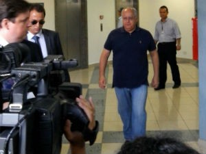 Renato Duque foi solto após uma decisão do STF  (Foto: Patrick Souza / RPC TV )