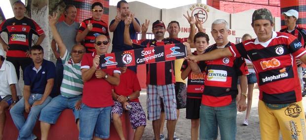 Torcida do Campinense, no Renatão, Paraíba (Foto: Larissa Keren / Globoesporte.com/pb)