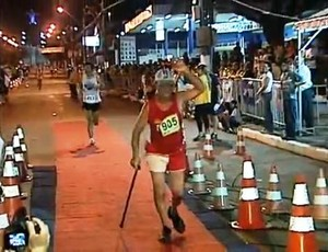 Vovô do atletismo (Foto: RPC TV)